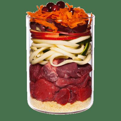 Rind mit Apfel, Karotte und Hagebutte
