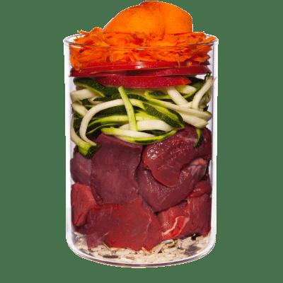 Rind mit Karotte, Apfel und Naturreis