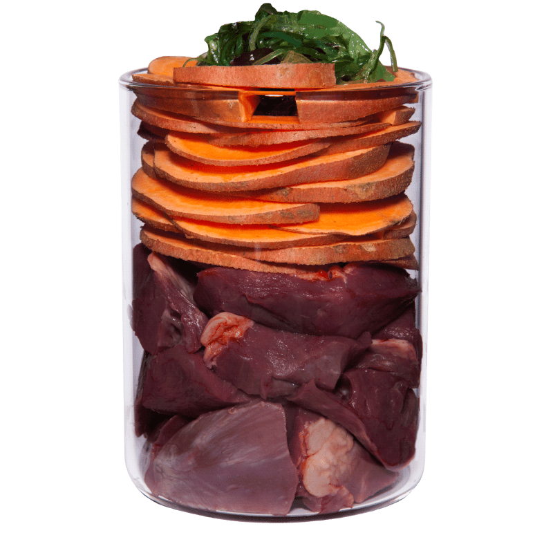 Wasserbüffel mit Süßkartoffel